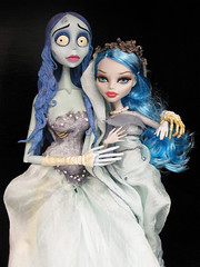 Mother Monster (Mariko&Susie) Tags: monster dead bride tim high emily doll dolls zombie planning tired corpse mattel jun burton yelps ghoulia marikosusie