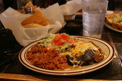 Green chile enchiladas (rightsandwrongs) Tags: food newmexico america driving roadtrip traveling sopapillas greenchile bluecorntortillas greenchileenchiladas newmexicancooking