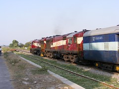 17899 18826 Maihar (Jonesy38) Tags: india dlw alco wdm3