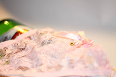 sttil01-81 (Patricia Barcelos) Tags: frutas still sexo morango pimenta sensualidade imaginao calcinha sexualidade afrodisiaco patriciabarcelos patbarcelos patfotgrafa
