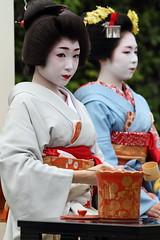 Ochaseki ---Outdoor tea party--- (Teruhide Tomori) Tags: festival japan kyoto geiko   kimono teaceremony teaparty odori    kamishichiken    katsuru  ichitomo