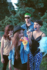 Girls & Boys (Rodrigo Piedra) Tags: girls boy apple youth copos girlsandboys sweetapple manzanaconpochoclo