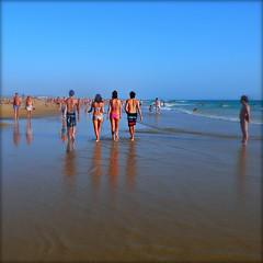Walking on sunshine (Ametxa) Tags: espaa beach andaluca playa cdiz plage ocanoatlntico conildelafrontera fuentedelgallo