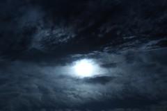 círculo de luz (ohkai ^_^) Tags: sky cielo tinieblas luzenelcielo