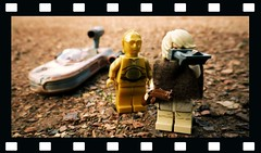 Farm Boy (R D L) Tags: starwars lego luke c3p0 speeder tatooine micromachine threepio