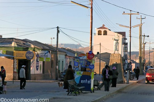 The busiest corner in Uyuni