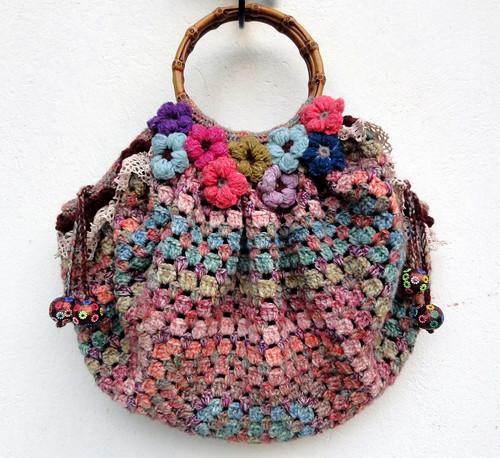 Bags Crochet Patterns Picasa : Eclectic Gipsyland: Un sac, du crochet, du Liberty, de la ...