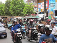 Traffic in Ampenan (David Stanley) Tags: ampenan lombokindonesia