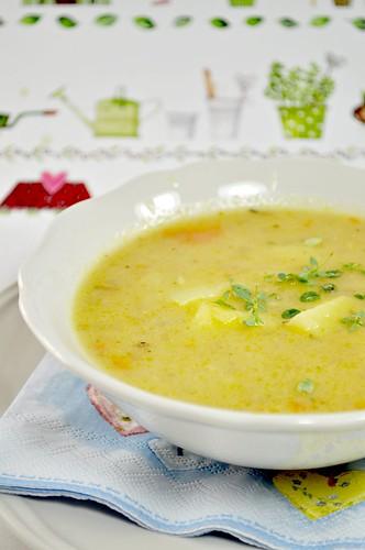Roasted Garlic & Potato Soup
