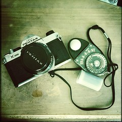 If u r gonna go analog, go full analog!!! (Rat Mice) Tags: sf light square san francisco pentax k1000 squareformat normal meter sekonic iphoneography instagramapp uploaded:by=instagram
