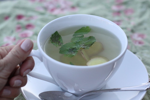 Fresh Ginger-Mint Tea