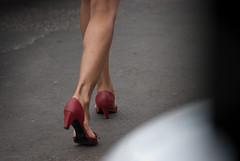2219tw (Chico Ser Tao) Tags: street woman sexy walking highheels legs mulher pernas rua caminhada voyer saltoalto voyerismo