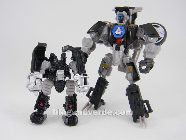 Transformers Tailpipe & Pinpointer DotM Human Alliance Scout - modo robot