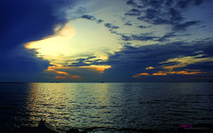 Pantai Jeram (Haryth Hayqal) Tags: sunset cloud beach nature sunrise coast 1001nights pantai