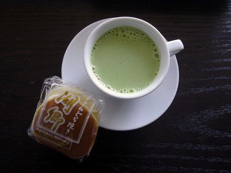 土産-1グランプリ【クリームどら焼き湖郷】