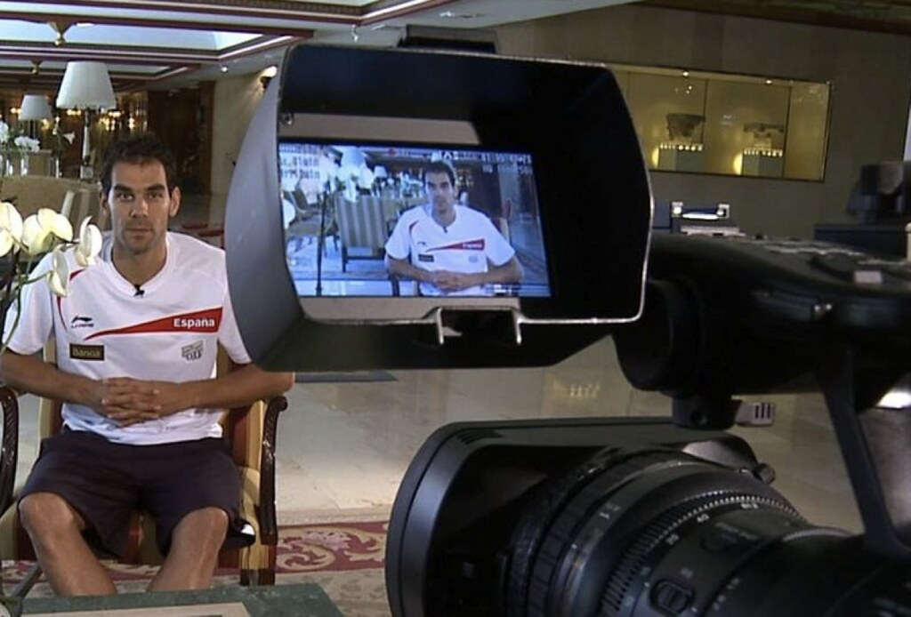 Calderón grabando el vídeo para la Red de Emociones de MRW