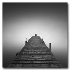 (jose.singla) Tags: longexposure light bw españa white seascape black blanco luz canon person loneliness negro sigma minimal filter pasarela soledad minimalismo 1020 inmensidad largaexposición 50d inmensity bestcapturesaoi josesingla joseantoniogimenez