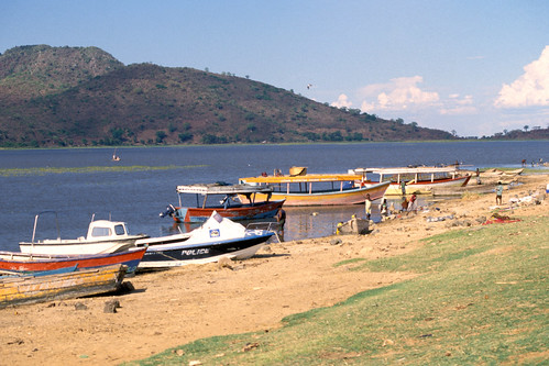 Small-scale fisheries, Malawi. Photo by Randall Brummett, 2002