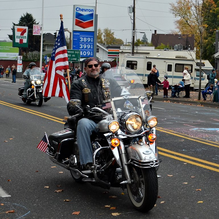 DSC_0162p_veterans_day_parade_motorcycle