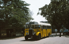 Bristol L ECW at Chinese border (Guy Arab UF) Tags: road bus buses car bristol de war lincolnshire pre l macau eastern portuguese counties macao companhia ecw 2072 autocarros m1074 ll76 foklei