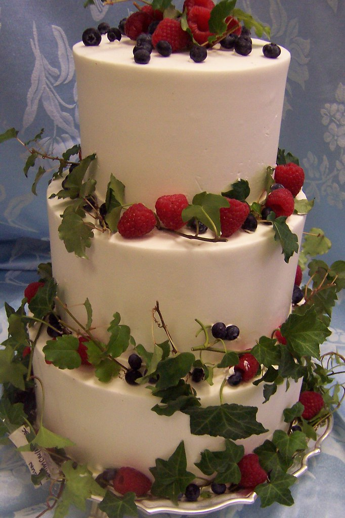 Decorating Cake With Freshfruit