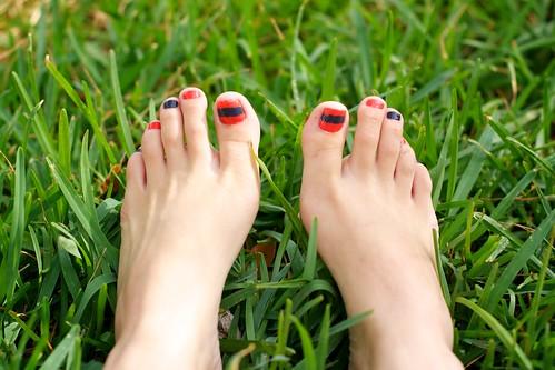 Grassy Stripy Toes