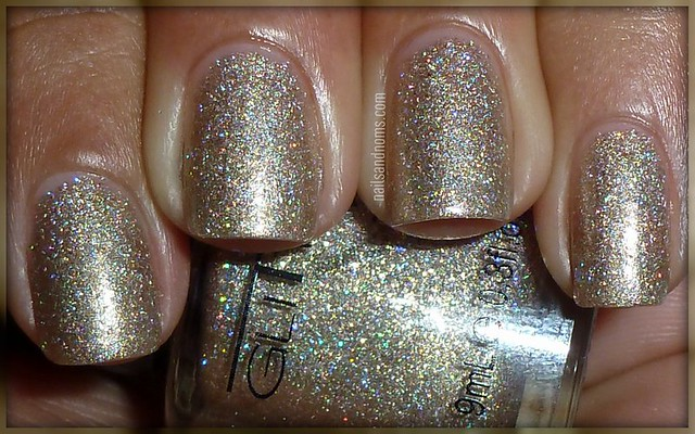 Glitter Gal - White Gold Sparkle (w/flash)