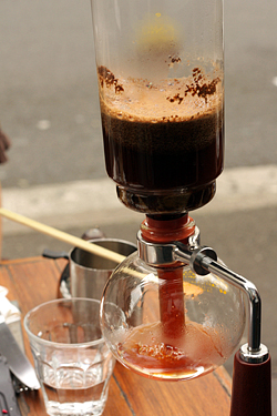 siphon coffee at single origin in Sydney