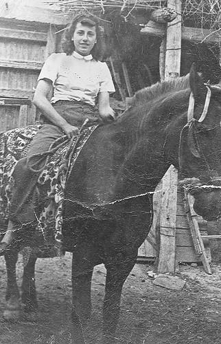 Isabel Santacruz a caballo.