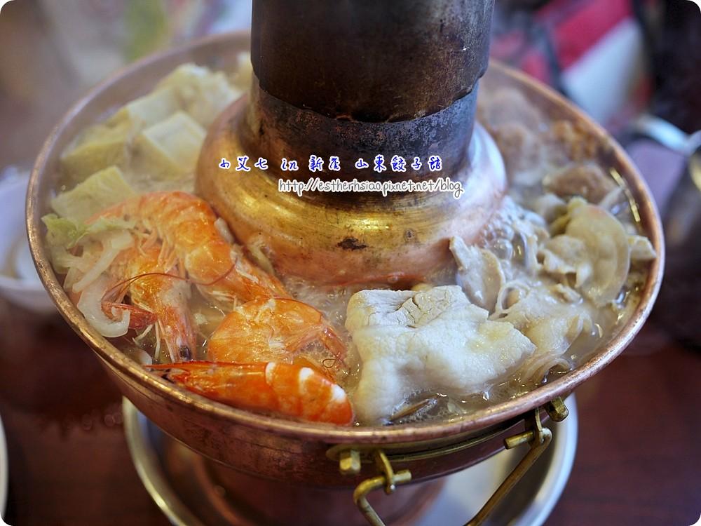 12 酸菜白肉鍋