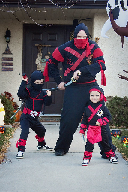 Halloween_3 ninjas pic4 10-31-11