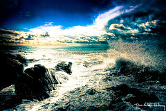 Surreal ocean (Jean-Michel Leclercq) Tags: ocean blue sea sky france waves surreal fr hdr audierne 29finistere