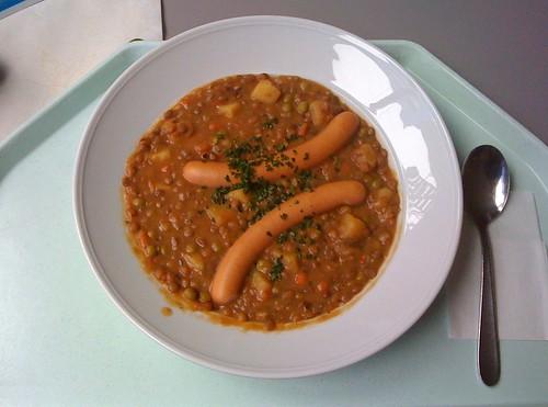 Linseneintopf mit Würstel / Lentil stew with sausages