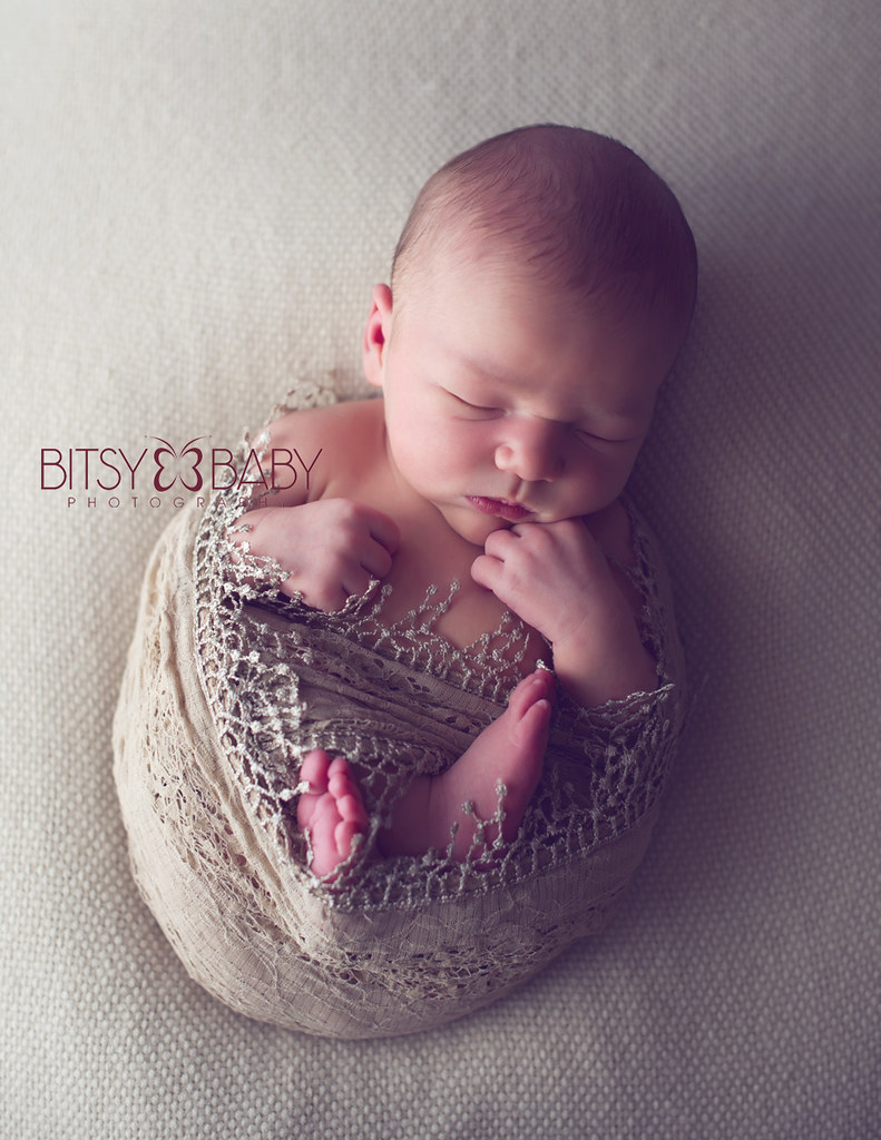 newborn photograph girl