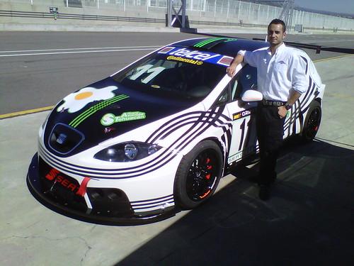 Componente del equipo Astra Racing en la Supercopa Seat León Mexicana