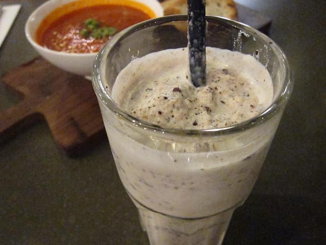 Macadamia Chocolate Chip Milkshake (S$7.50)