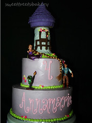 tangled birthday cake (SweetTreets) Tags: birthday girls cake rapunzel stacked tangled 4thbirthday tieredcake disneycake girlsbirthdaycake funnycakes rapunzelcake tangledbirthdaycake