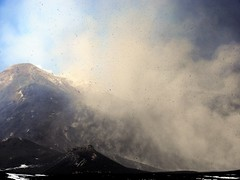 BIG flying rocks: Etna, 15 November 2011 [Explored] (etnaboris) Tags: