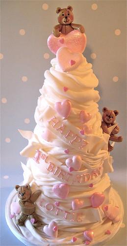 Ist birthday cake for Lottie