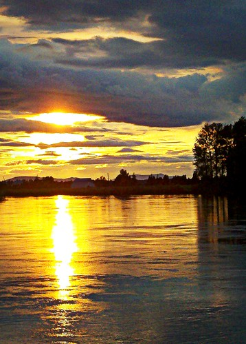 06-24-11 Skagit Sunset by roswellsgirl