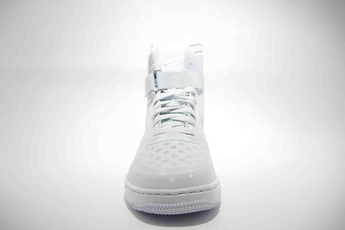 Nike Womens Hyperfuse Aura_02