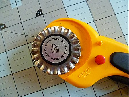 pinking blade on rotary cutter