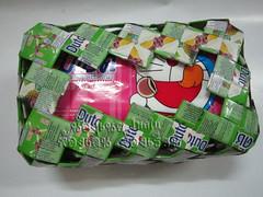 กล่องทิชชู/กระดาษเช็ดหน้า Tissue box cover from milk carton or Tetra paks