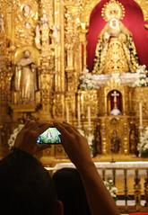 Golden hope. (Julian Benitez) Tags: santa de sevilla foto movil iglesia tres semana esperanza triana capilla marineros caidas