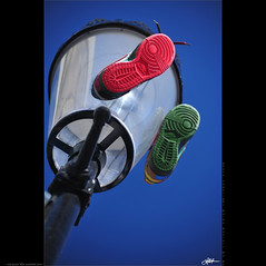 London in my eyes [52] - red green Nike avaliable here (guido ranieri da re: work wins, always off) Tags: red verde green london nikon shoes nike rosso londra nottinghill indianajones scarpe portobelloroad d700 nonsonoglianniamoresonoichilometri guidoranieridare londoninmyeyes 100shotsforlondon londraneimieiocchi 100scattiperlondra