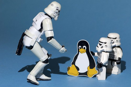 Let's use Linux to find the droids, alternative version by Kalexanderson