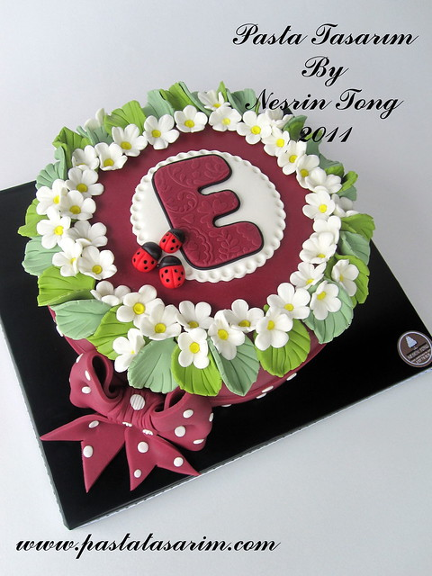 flowers & ladybugs cake
