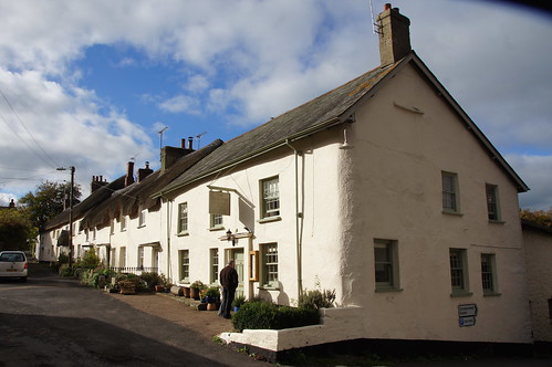 A row of pretty Devonshire cottages at Drewsteignton by CharlesFred