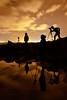 23:48 en el Cabo de las Huertas (Jose Casielles) Tags: amigos color luz contraluz noche mar agua siluetas rocas reflejos yecla cabodelashuertas fotografíasjcasielles