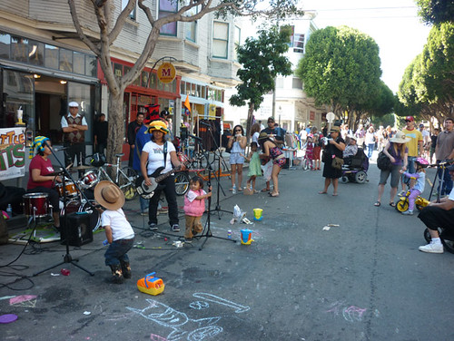2011_1022_sundaystreets15